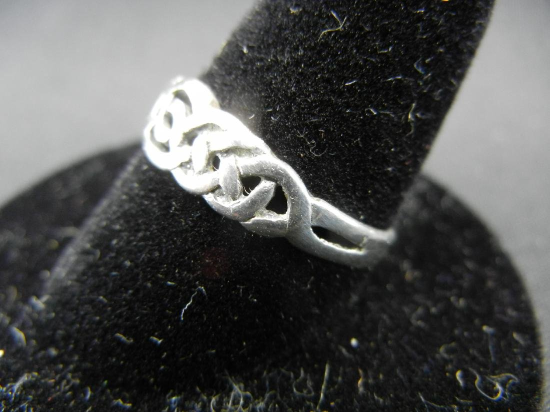 Irish Traditions Sterling Silver 925 Ring. - 3