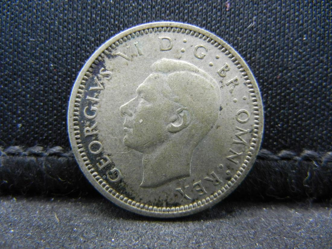 1940 Great Britain 6 Pence 50% Silver Coin.  Weighs - 2