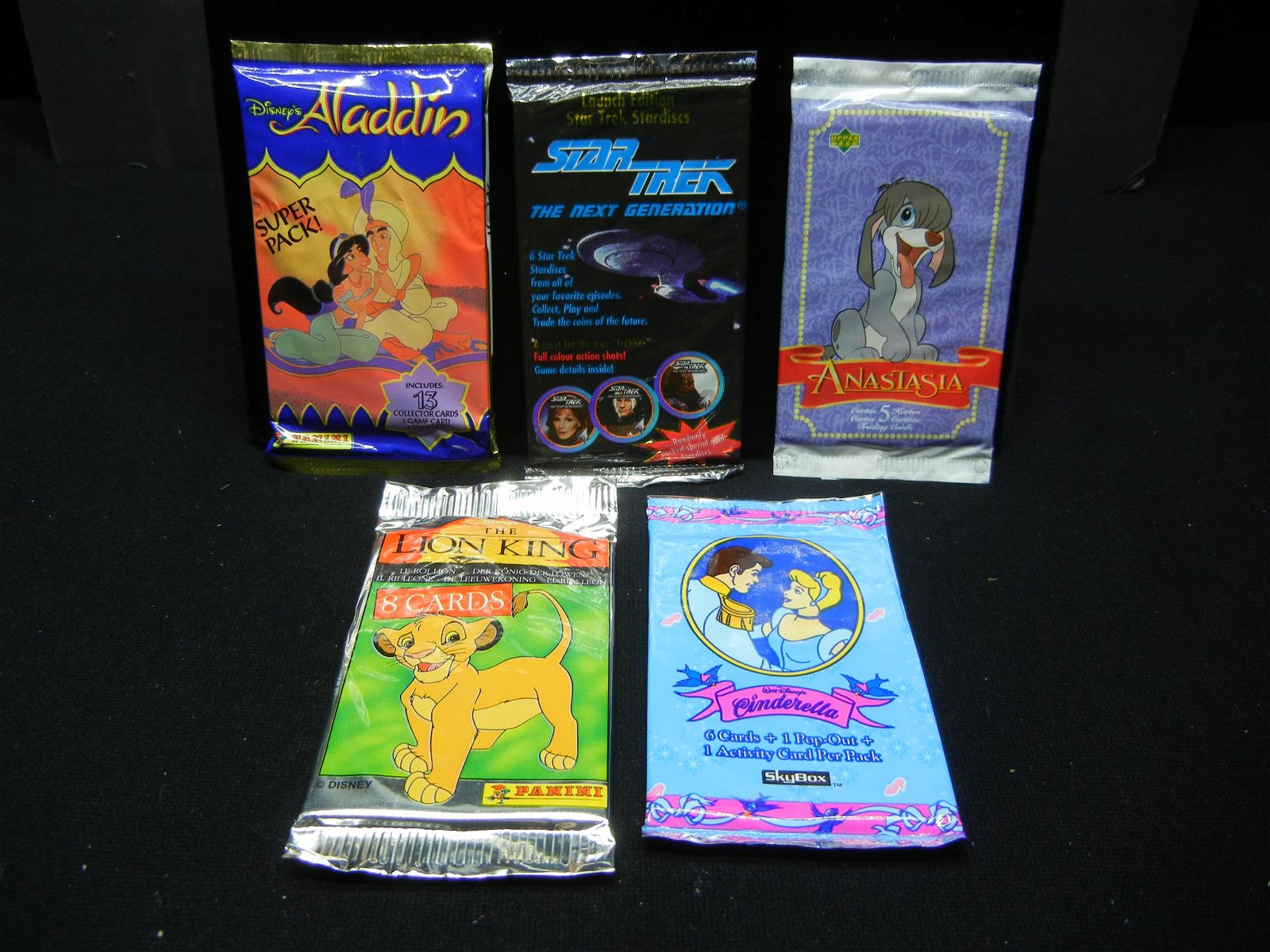 INCREDIBLE TRADING CARDS (THE LION KING/ALADDIN/STAR