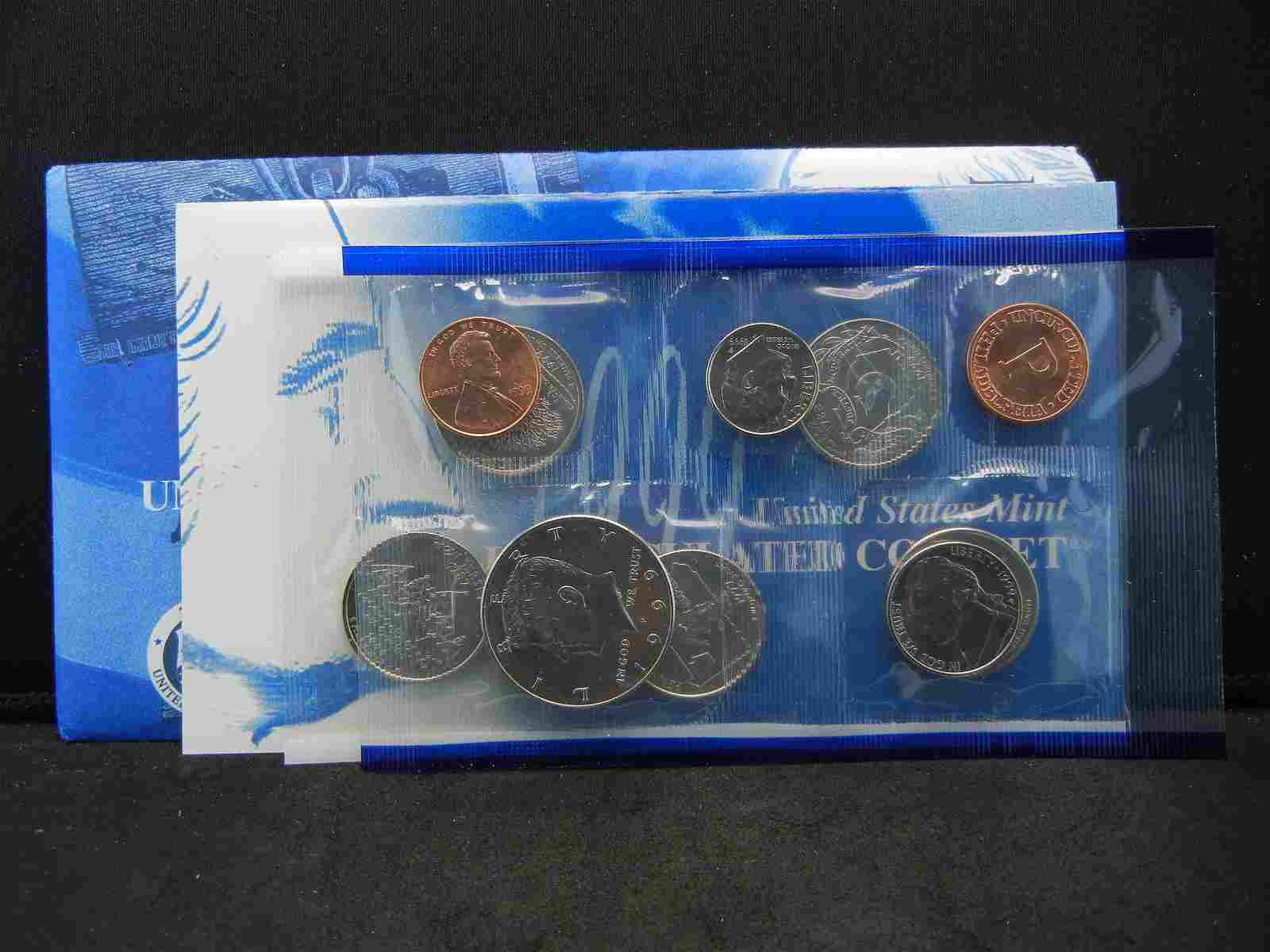 1999 PHILADELPHIA US UNCIRCULATED MINT SET - WITH STATE