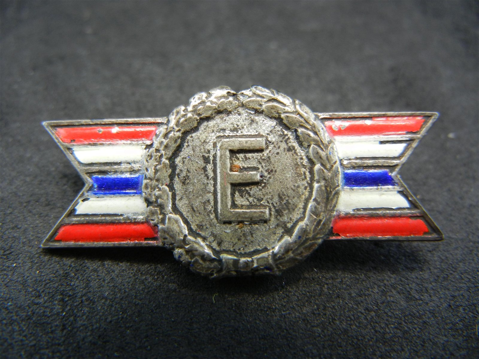 STERLING SILVER (92.5%/STAMPED) ARMY/NAVY VINTAGE PIN,