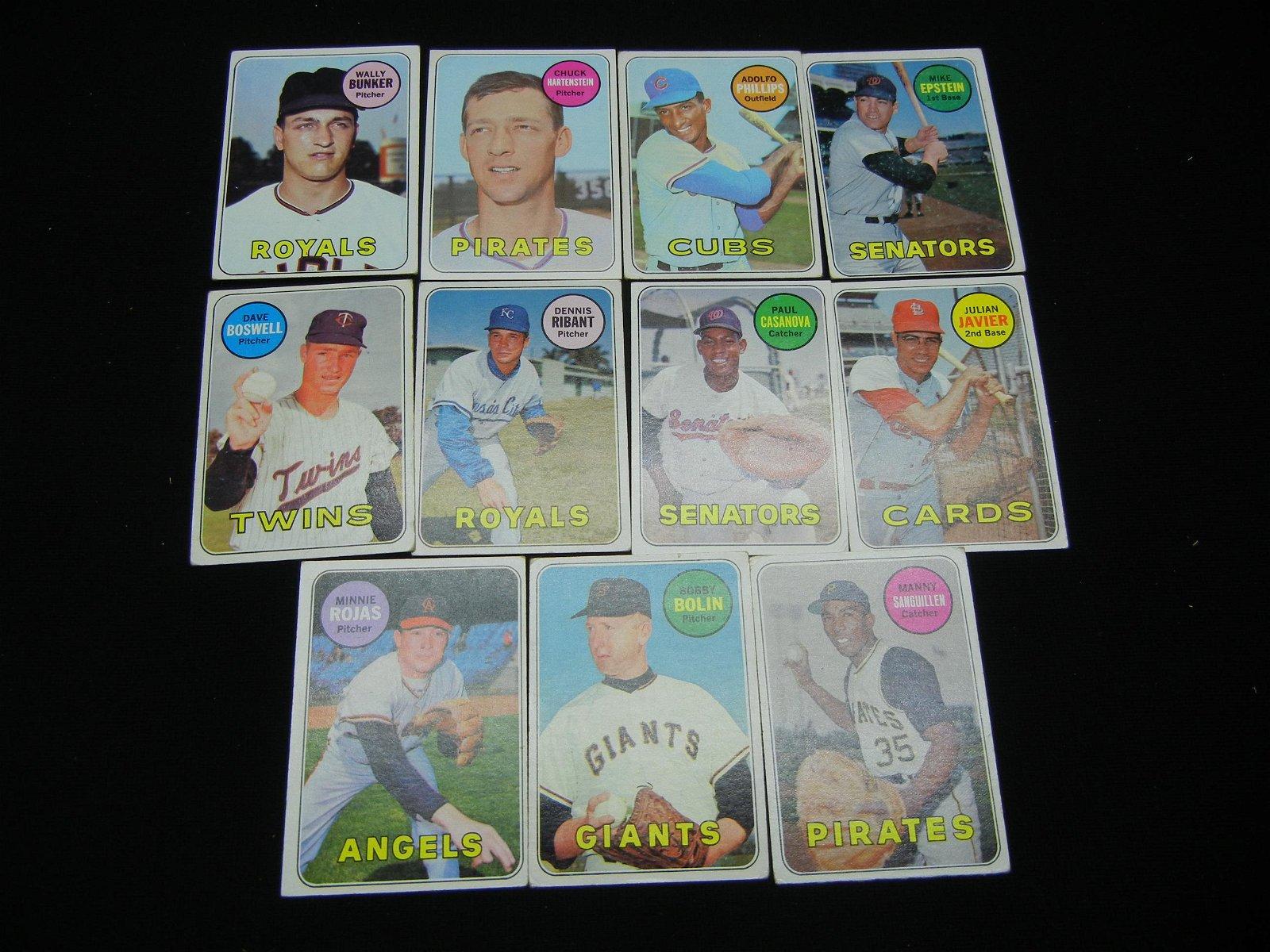 11 1969 Topps Baseball Cards No Creases