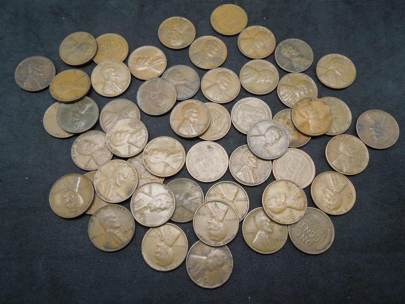 Lot of 50 1940 Lincoln Head Wheat Cents.