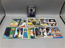 Lot of 20 Ken Griffey Jr cards with rookie