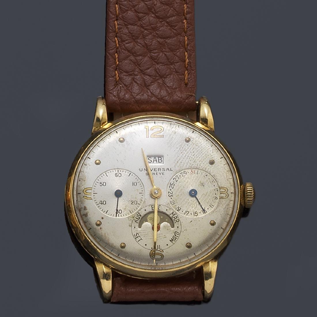 UNIVERSAL. Men's triple calendar watch with case in 18K