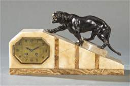 French mantle clock in agate and marble, Art Decó.