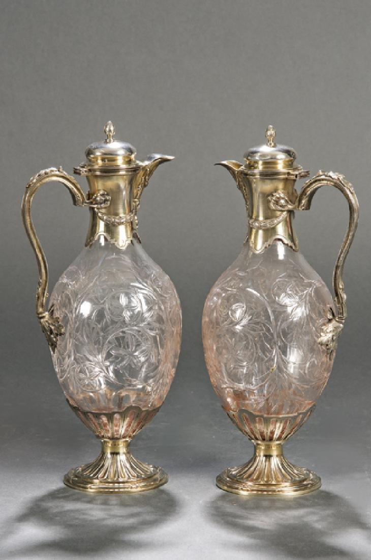 Pair of jars with lid, in carved glass and French