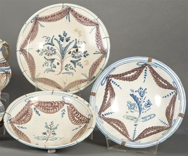 Lot de three ceramic bowls by Talavera decorated with