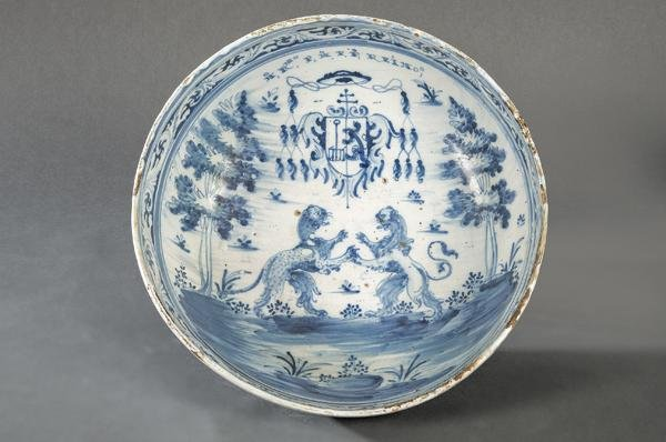 Bowl in  blue and white ceramic, by Talavera, second