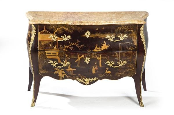 Louis XV style chest of drawers in lacquered wood with