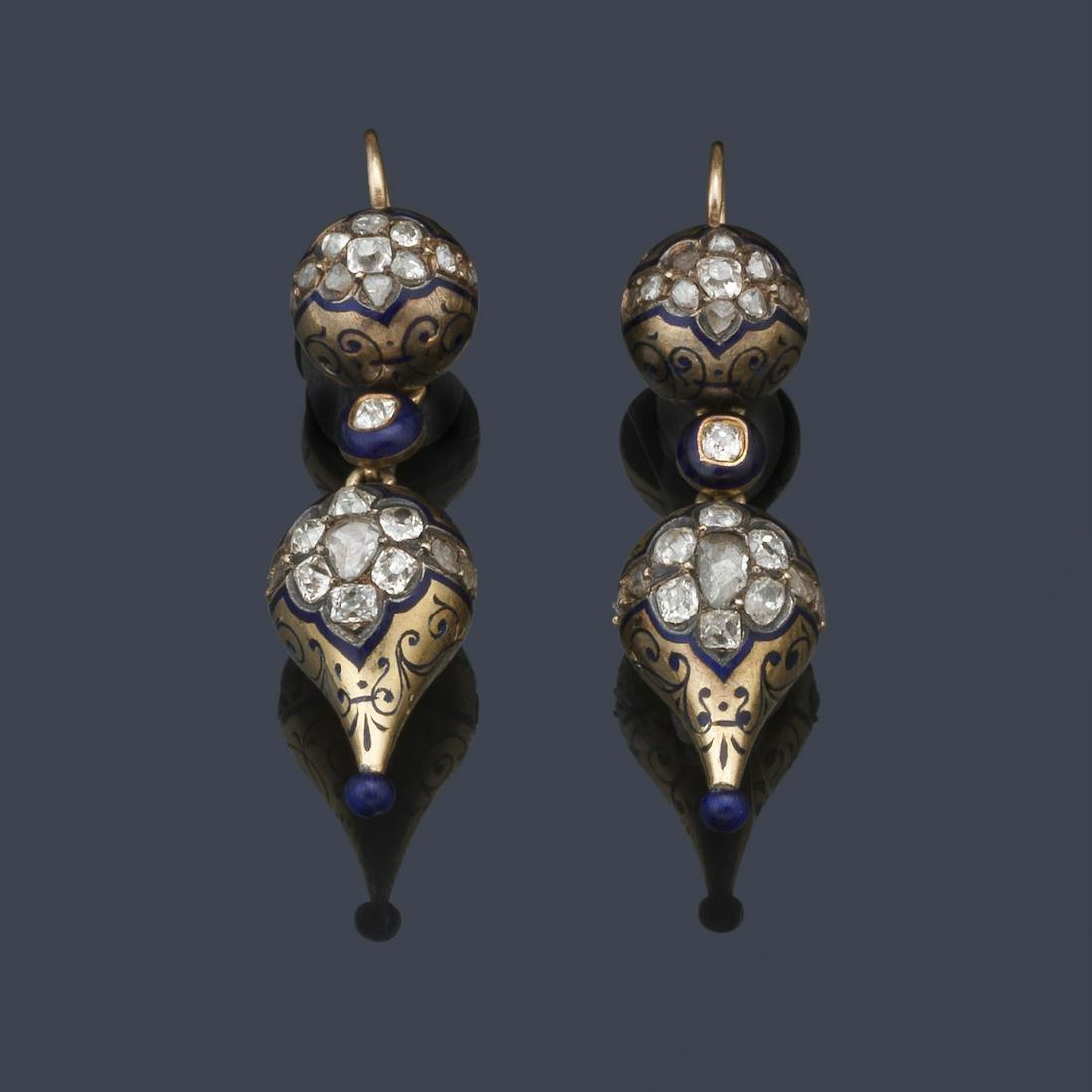 Long earrings with old cut diamonds in 18K yellow gold