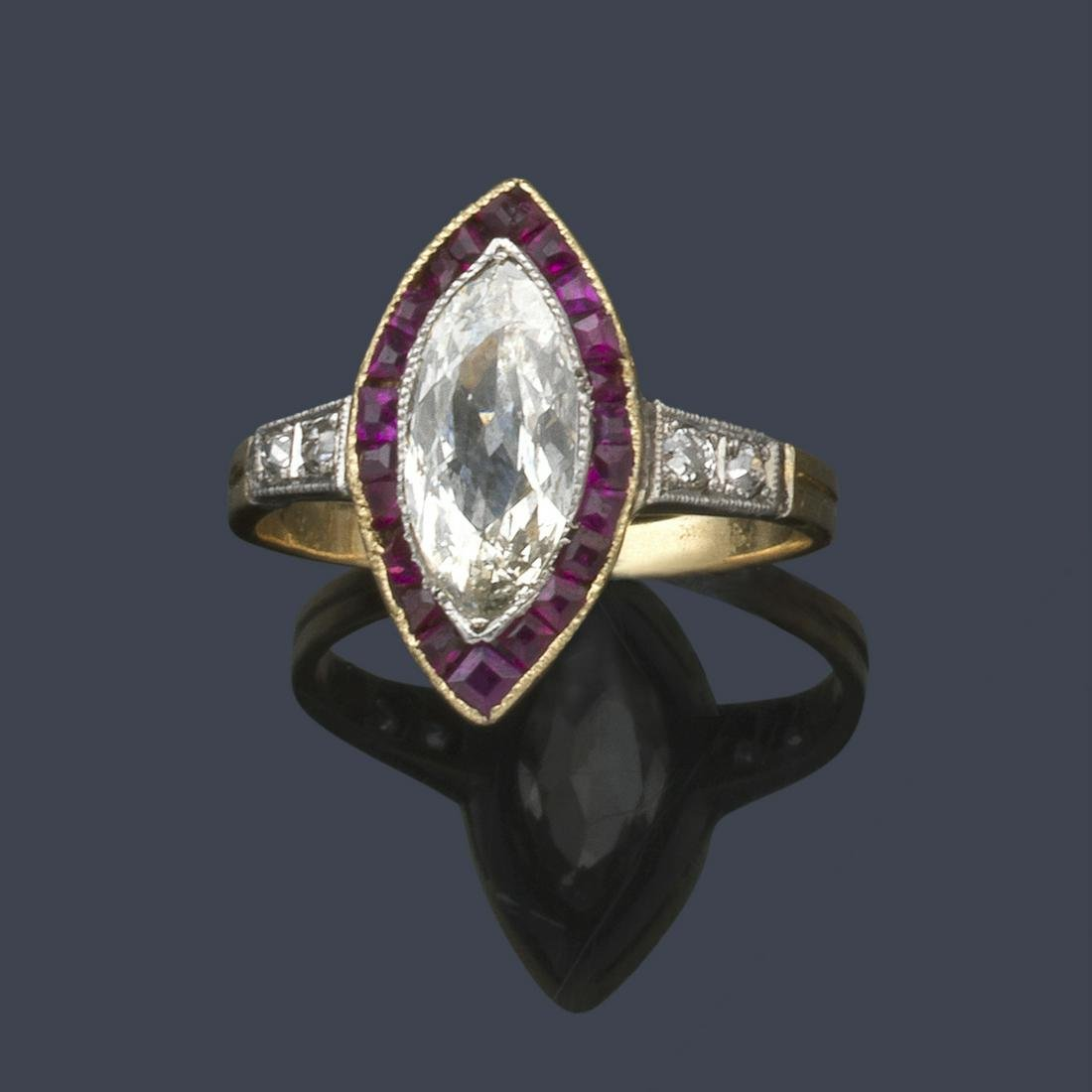 Ring with marquise cut diamond of approx. 0.75 ct with