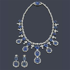 BVLGARI Exceptional necklace and earrings Ceylon sapphi