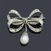Brooch with diamonds and fine pearl. IGE opinion