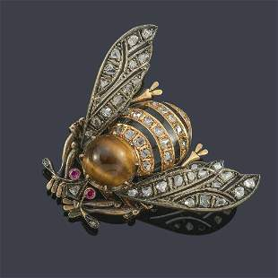 Bumblebee-shaped brooch with rose-cut diamonds, rubies,
