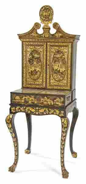 Female cabinet in lacquered and gilded wood, China,