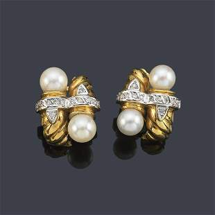Short earrings with pearls and diamonds with double