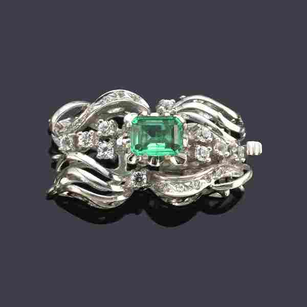 Necklace brooch with central emerald in 18K white gold