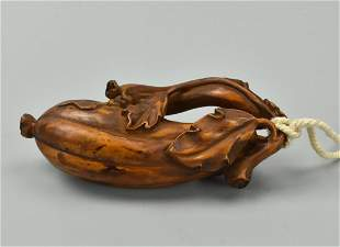 Chinese Huali Wood Pendant Carving Luffa Gourd