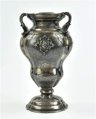 Sterling Silver Trophy Shaped Vase, 1060 gram