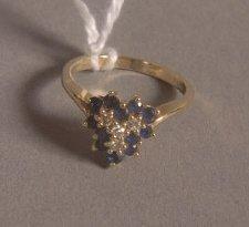 9: 14K GOLD SAPPHIRE & DIAMOND RING: