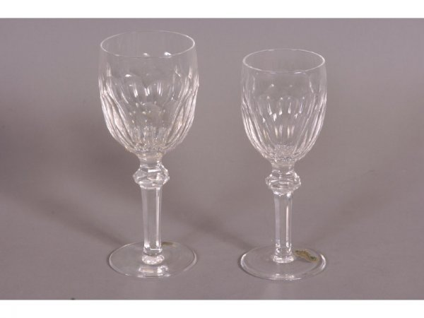 325: 31 PIECES OF WATERFORD CRYSTAL STEMWARE