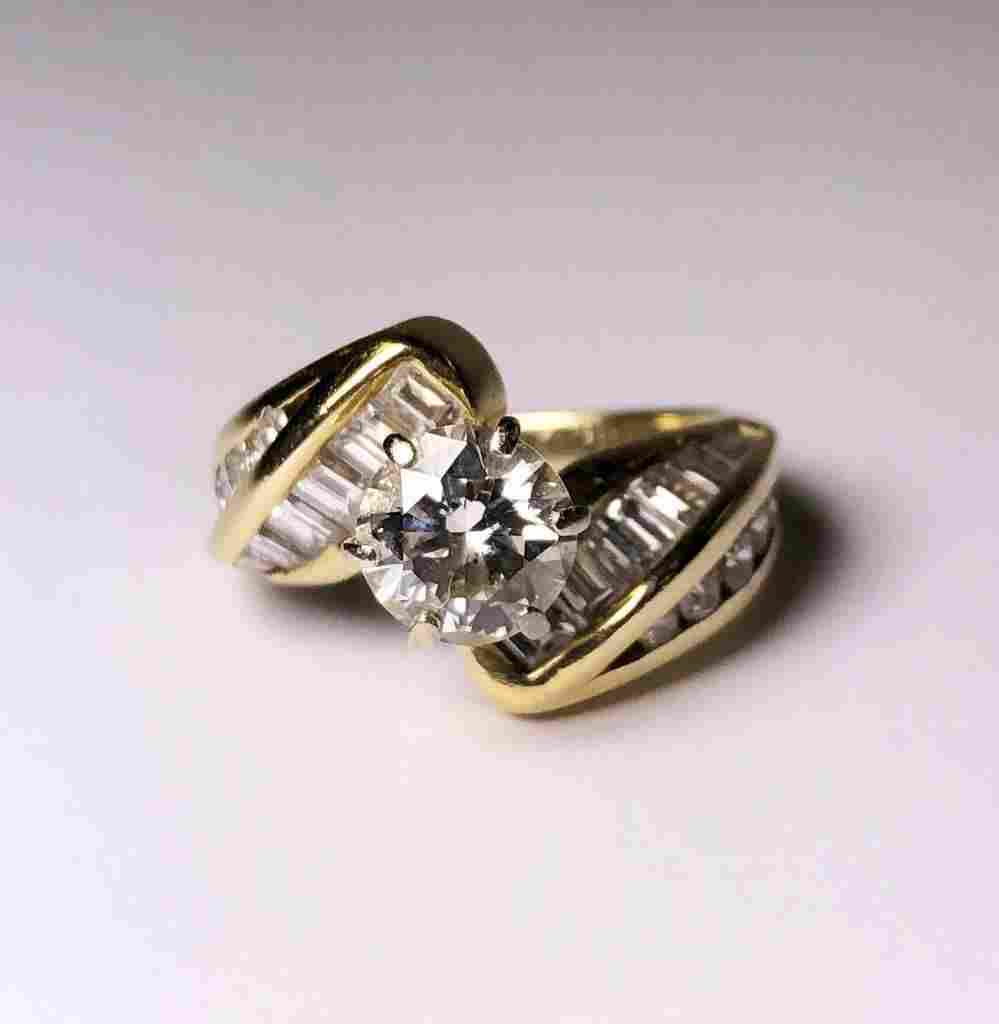 OVER 1 CT. TOTAL WEIGHT (3) PENNY WHITE 14K GOLD LADIES