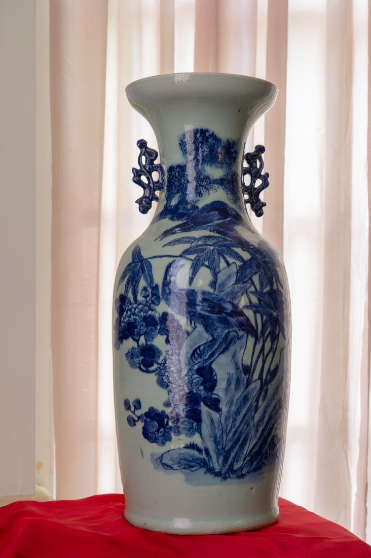 A Large Qing Dynasty Chinese Blue and White Porcelain