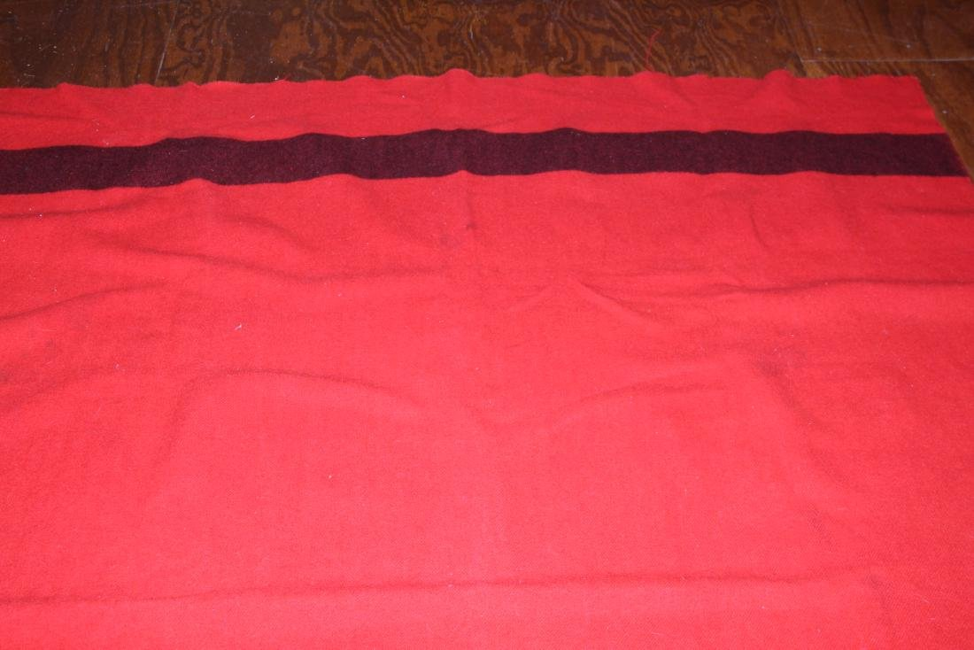 Full size Hudson Bay red and black wool blanket - 8
