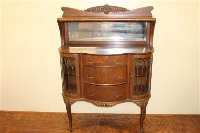 Quarter sewn oak Victorian china buffet