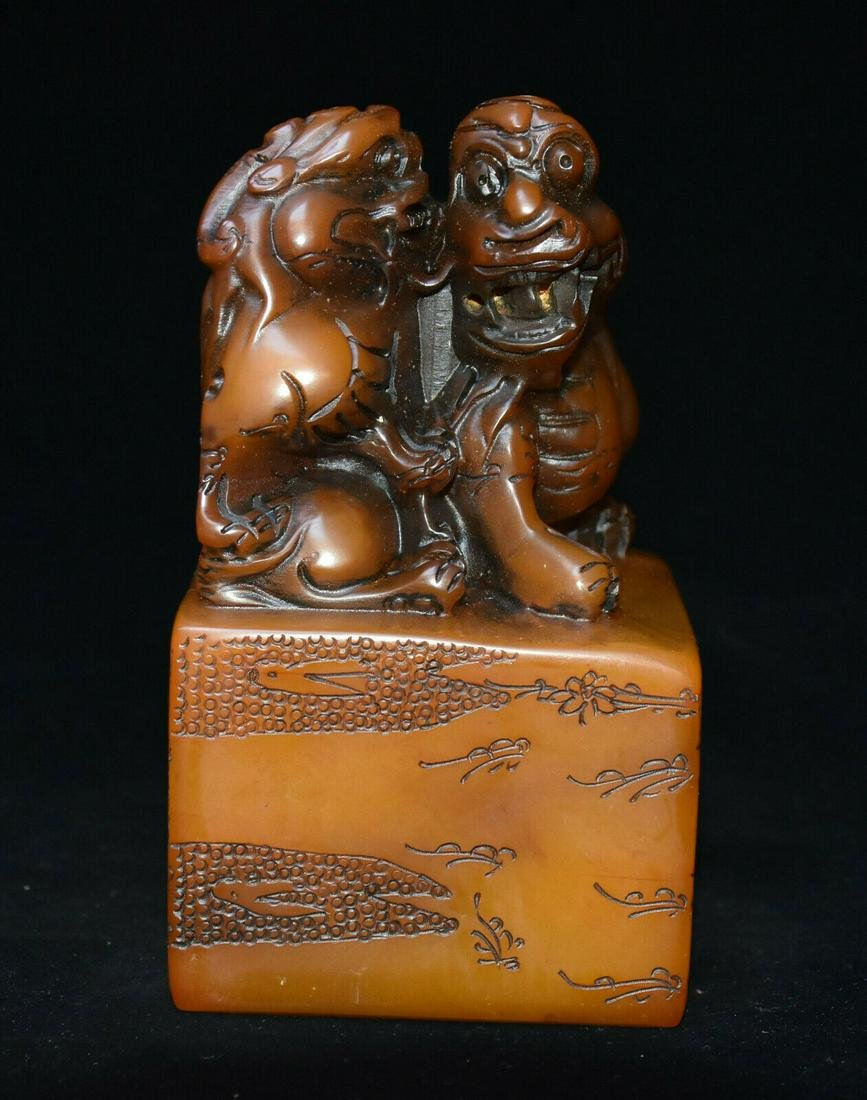 A NATURAL SHOUSHAN STONE BEAST SEAL QING DYNASTY.