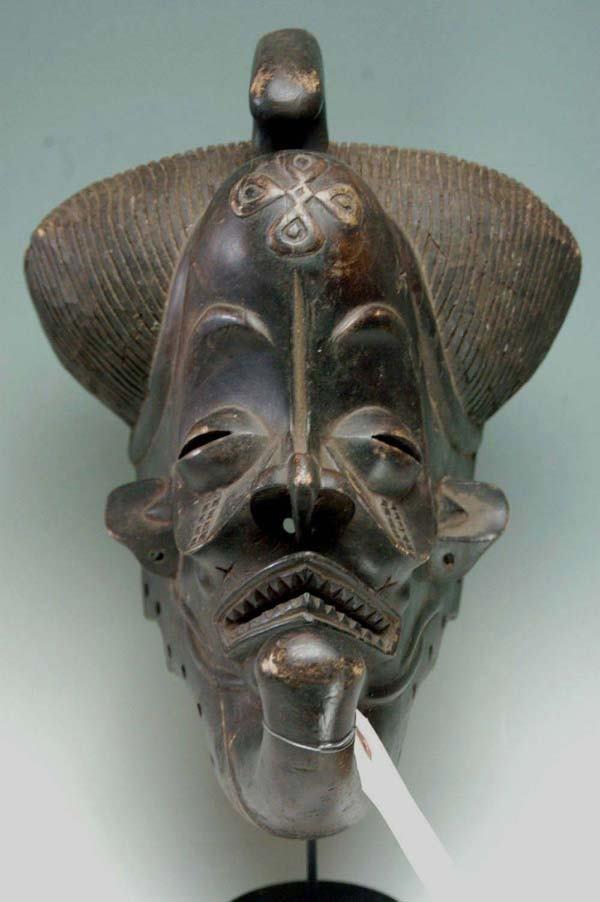 24: AFRICAN MASK - TCHOKWE TRIBE