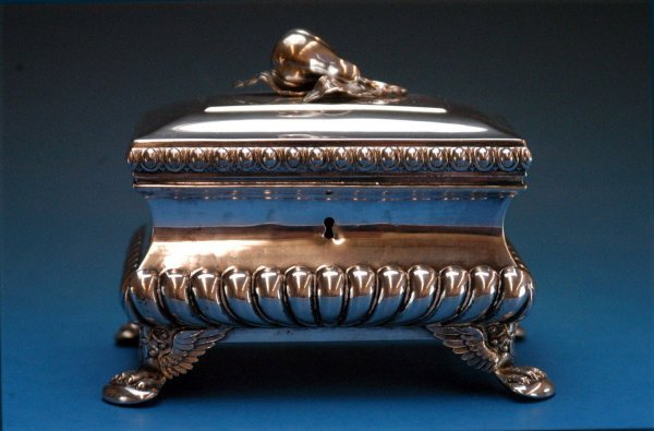 508: Silver jewelry box.