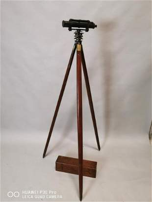 Early 20th C. brass theodolite.