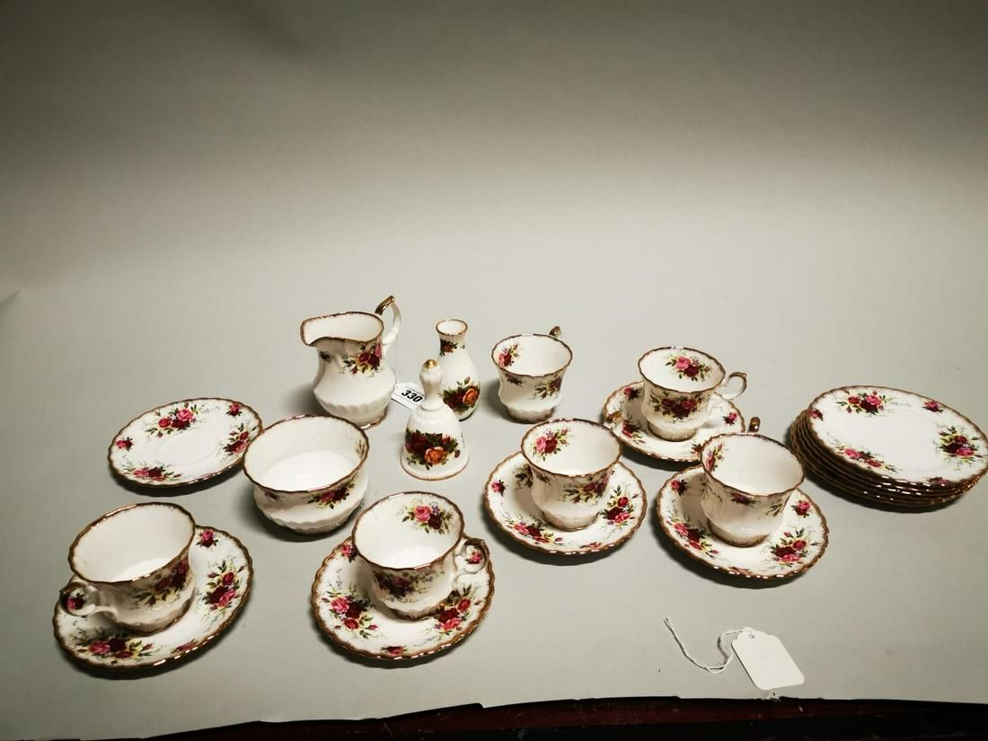 Twenty piece tea set.