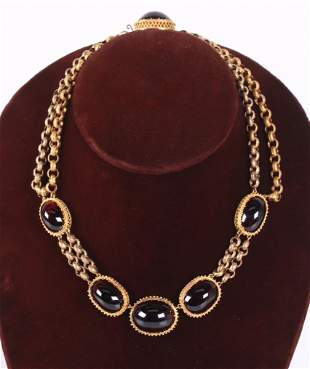 An Amber and 18k Gold Choker Necklace