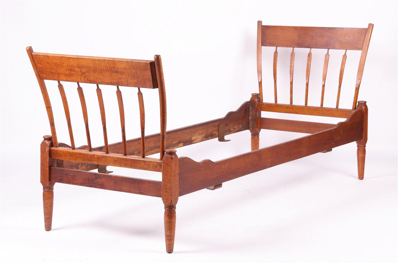 Unusual Tiger Maple Windsor Daybed