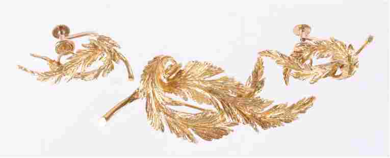 An 18k Gold Set, Brooch and Earrings