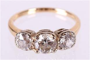 A Vintage 14K gold and Diamond Ring