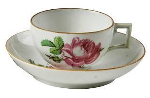 Tasse und Untertasse mit Rosendekor, Meissen, um 1800