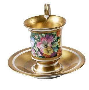 Goldfond-Tasse mit Blumenmalerei und originaler