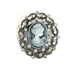 Ladies Elegant Cameo Of A Beauty With Semi Precious