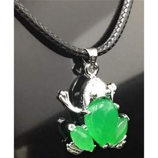Asian Green Jade Frog Pendant Accompanied By Necklace