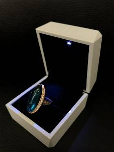 Ladies Rose Gold Ring With Mounted Green Semi-Precious