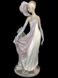 Stunning Art Deco LLADRO Porcelain Figurine 14in Tall