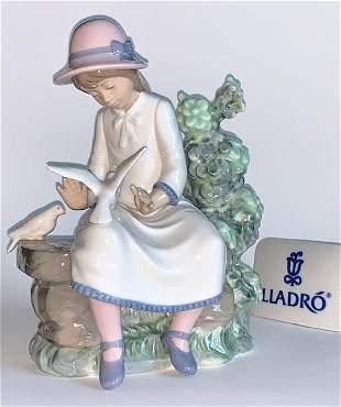Beautiful Retired LLADRO Nao Porcelain Figurine