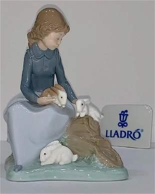 Retired LLADRO Nao Beautiful Mint Porcelain Figurine