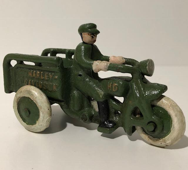 HARLEY-DAVIDSON Cast Iron Crash Car Motorcycle Toy