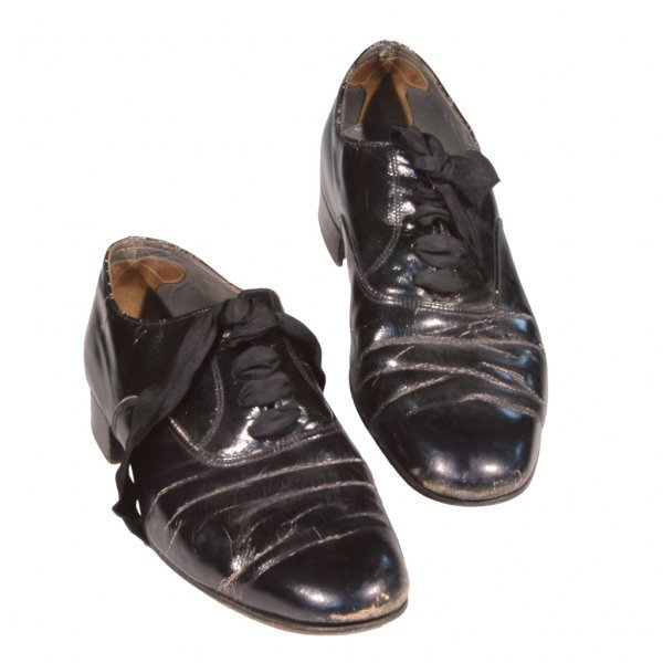 15: Fred Astaire Autographed Shoes