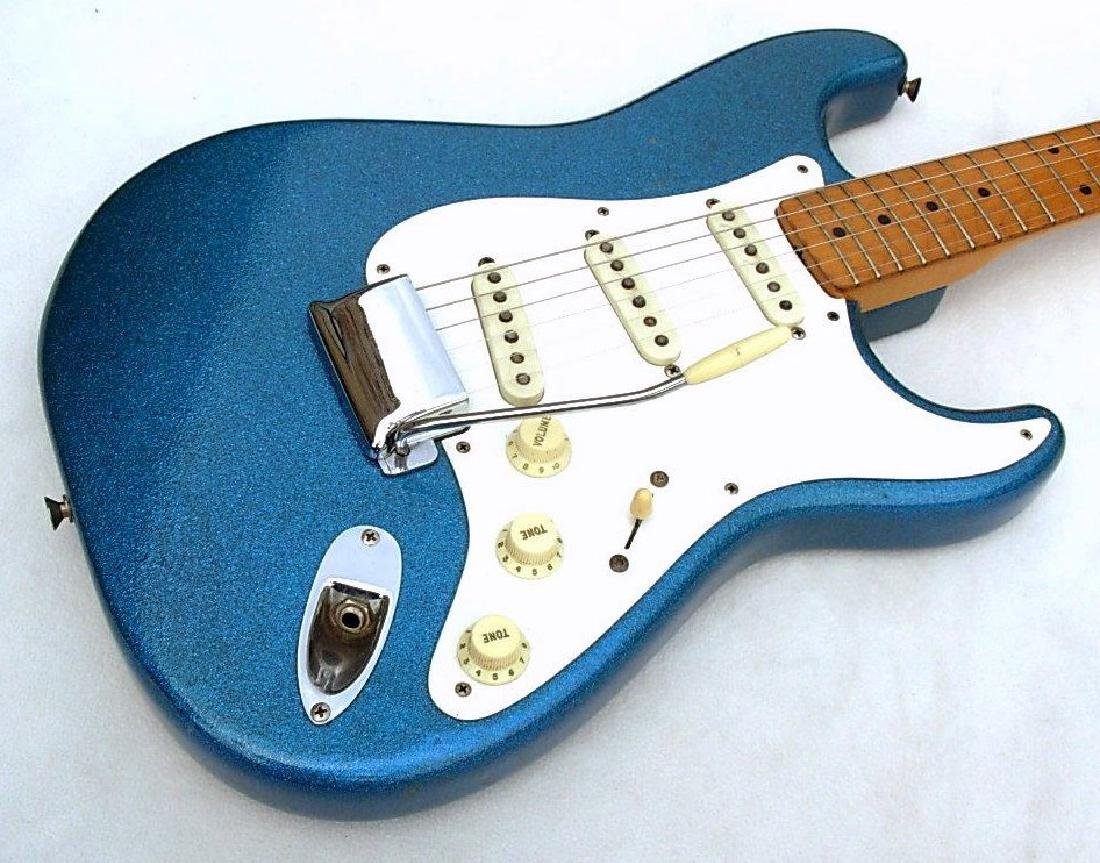 1959 Stratocaster, rare blue sparkle, with amp & more - 10